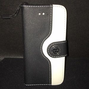 iPhone 5 Black/White Wallet Flip CaseBoutique for sale